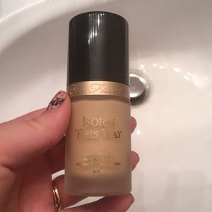 Born this way foundation - pearl